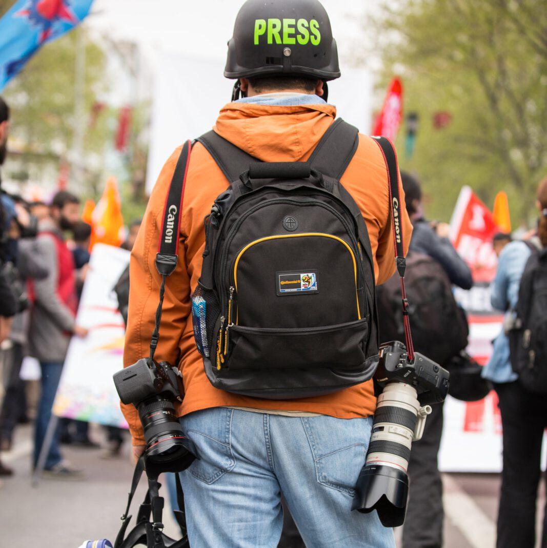Journalist scanner
